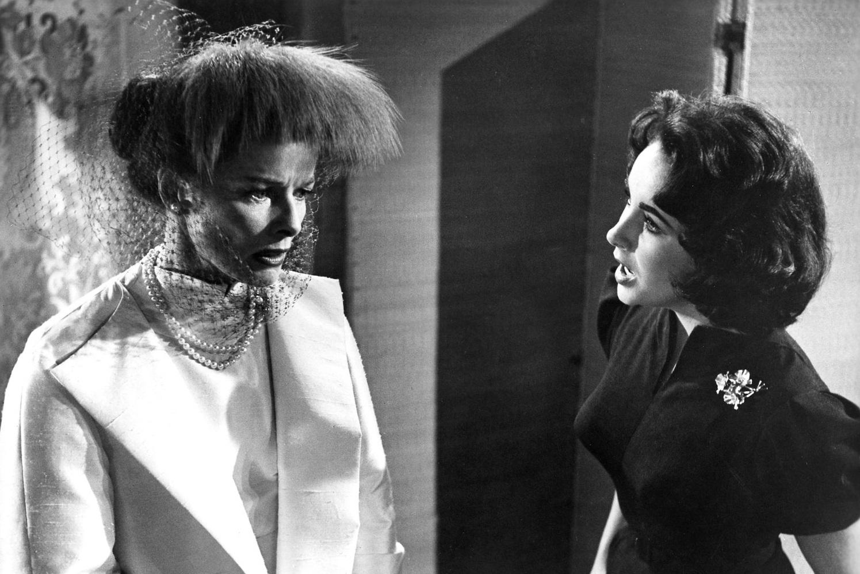 K. Hepburn a E. Taylor – obě slavné herečky podstoupili operaci kloubů (snímek z filmu Suddenly, Last Summer z 1959); zdroj obr.: themotionpictures.net