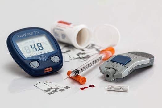 Měření glykémie (hladiny krevního cukru) je nejdůležitějším a nejčastějším vyšetřením prováděným u všech diabetiků.